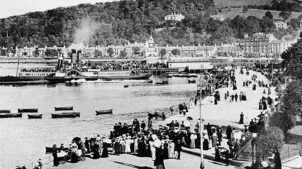 Holidaymakers enjoying the sea at Rothesay