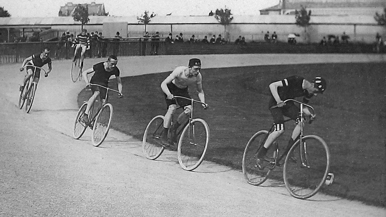 A Victorian bike race