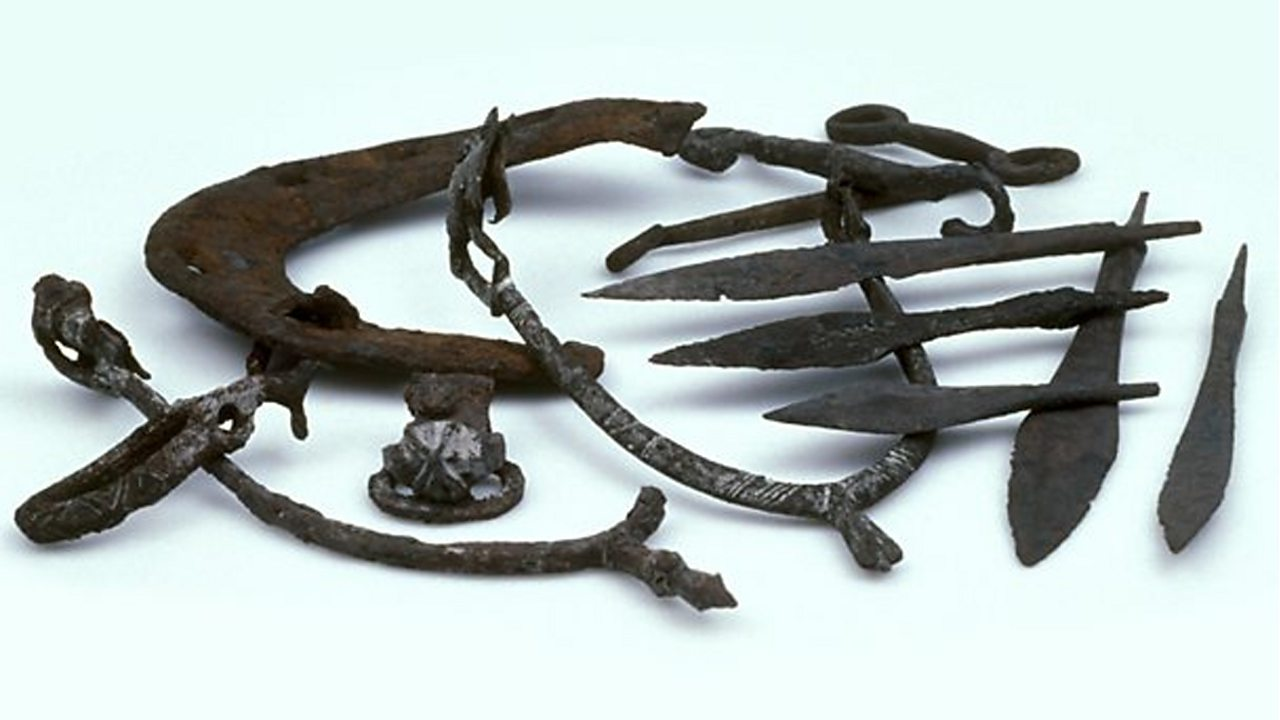 Stirrups, weapon-points, and a horseshoe found at Jorvik