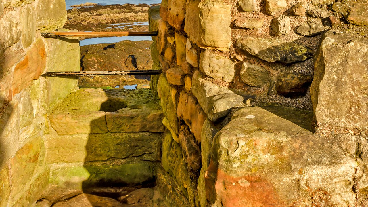 Toilet at the ruins of St Andrews castle