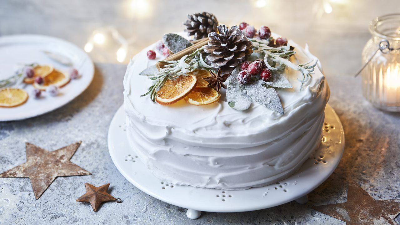 How To Ice A Christmas Cake The Easy Way Bbc Food