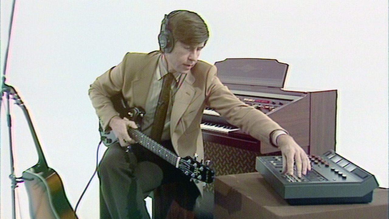 Portable suitcase studio, 1980