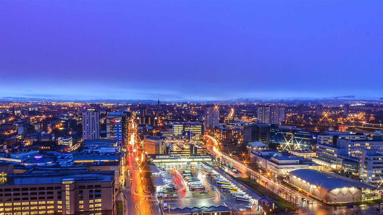 A photo of the city of Glasgow at dusk