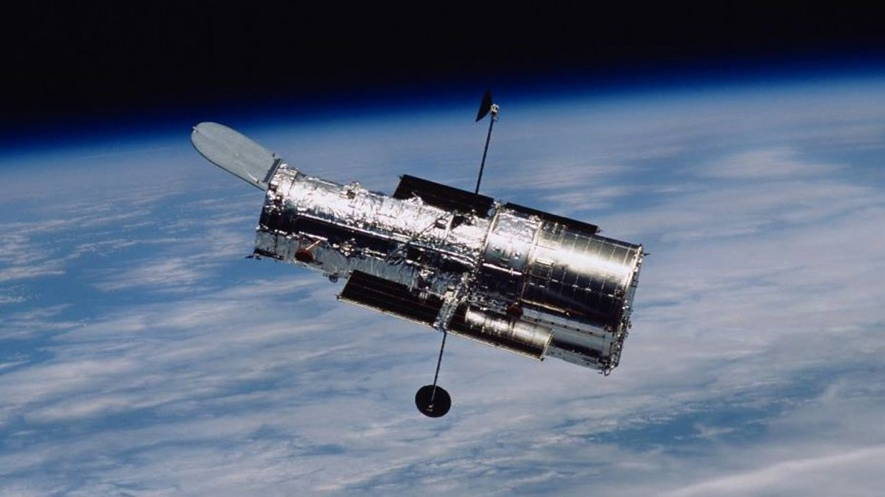 Discoveries of the Hubble Space Telescope