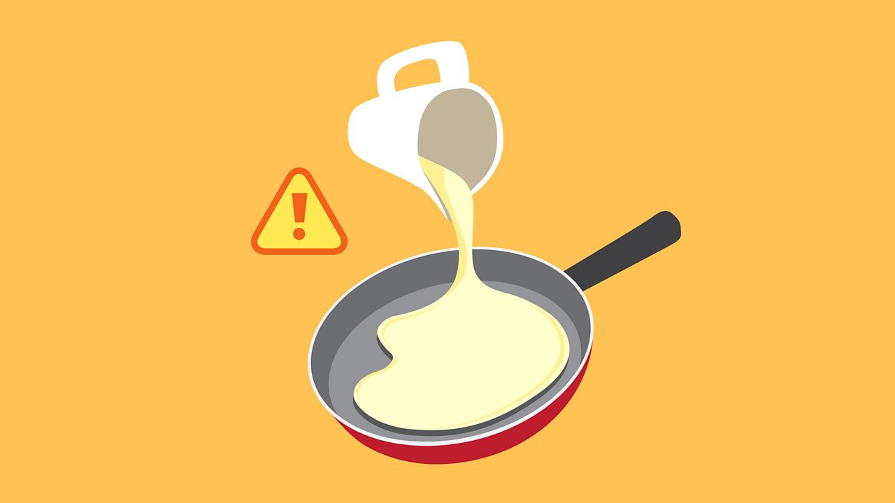 Get an adult to add some batter to the frying pan, tilt it to cover the surface, and cook (faire cuire) until it's golden brown.