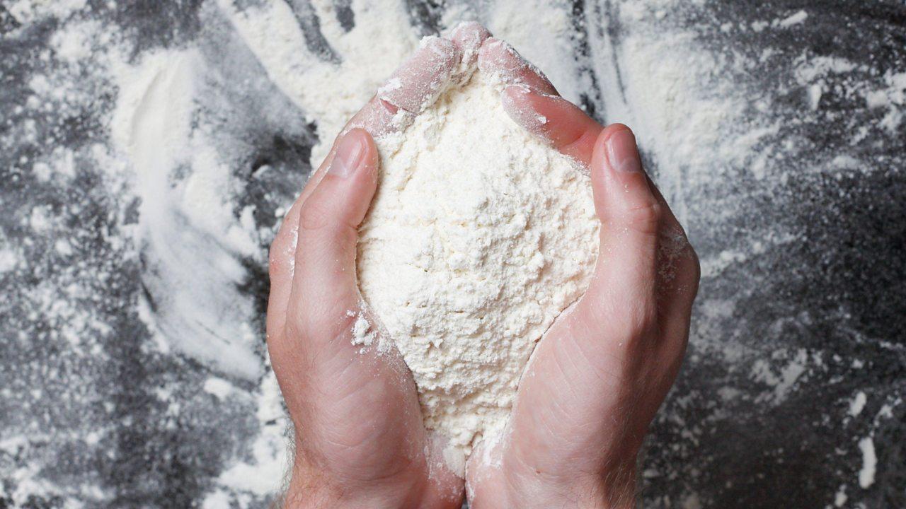 Flour in hands
