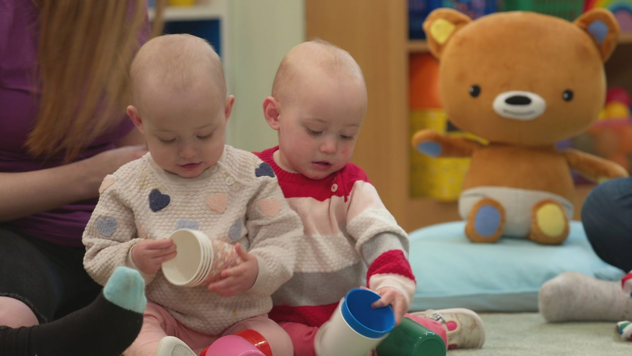 The Baby Club: Play games with your baby using plastic cups