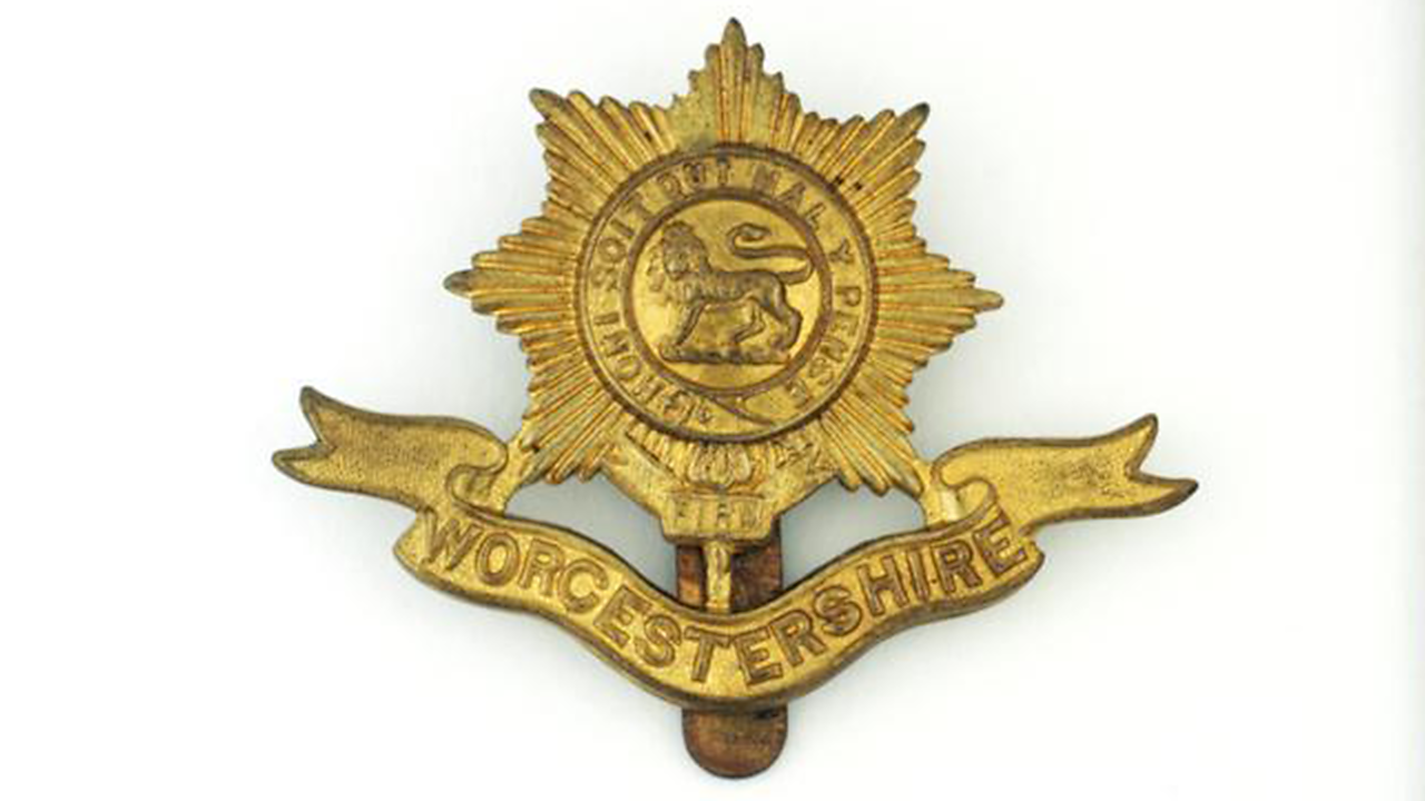 A Battalion of Worcestershire Badge, 1898 to 1925.