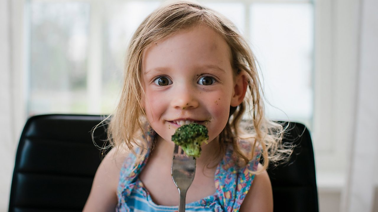 Five tips for helping your kids to eat healthily all year round