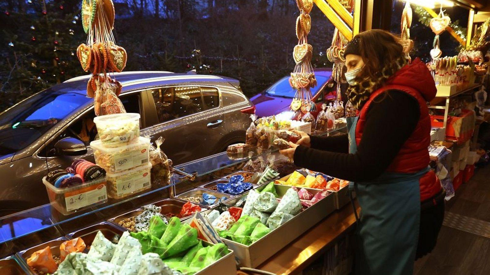 Drive-thru market saves German Christmas tradition