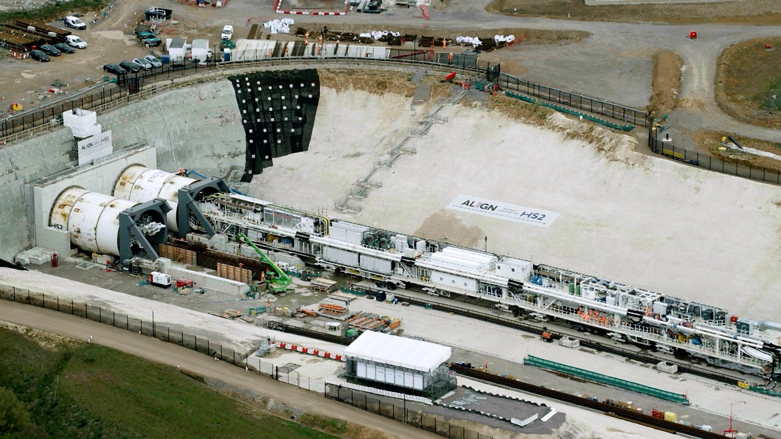Giant tunnelling machine starts work on HS2