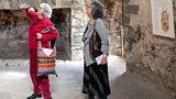 Anne Ellis and Sue Tranter at Newark Castle