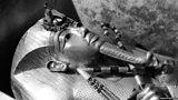 Tutankhamun: How 'Tut-mania' gripped the world