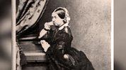 Flog It: Trade Secrets - Series 1 - Women In Antiques