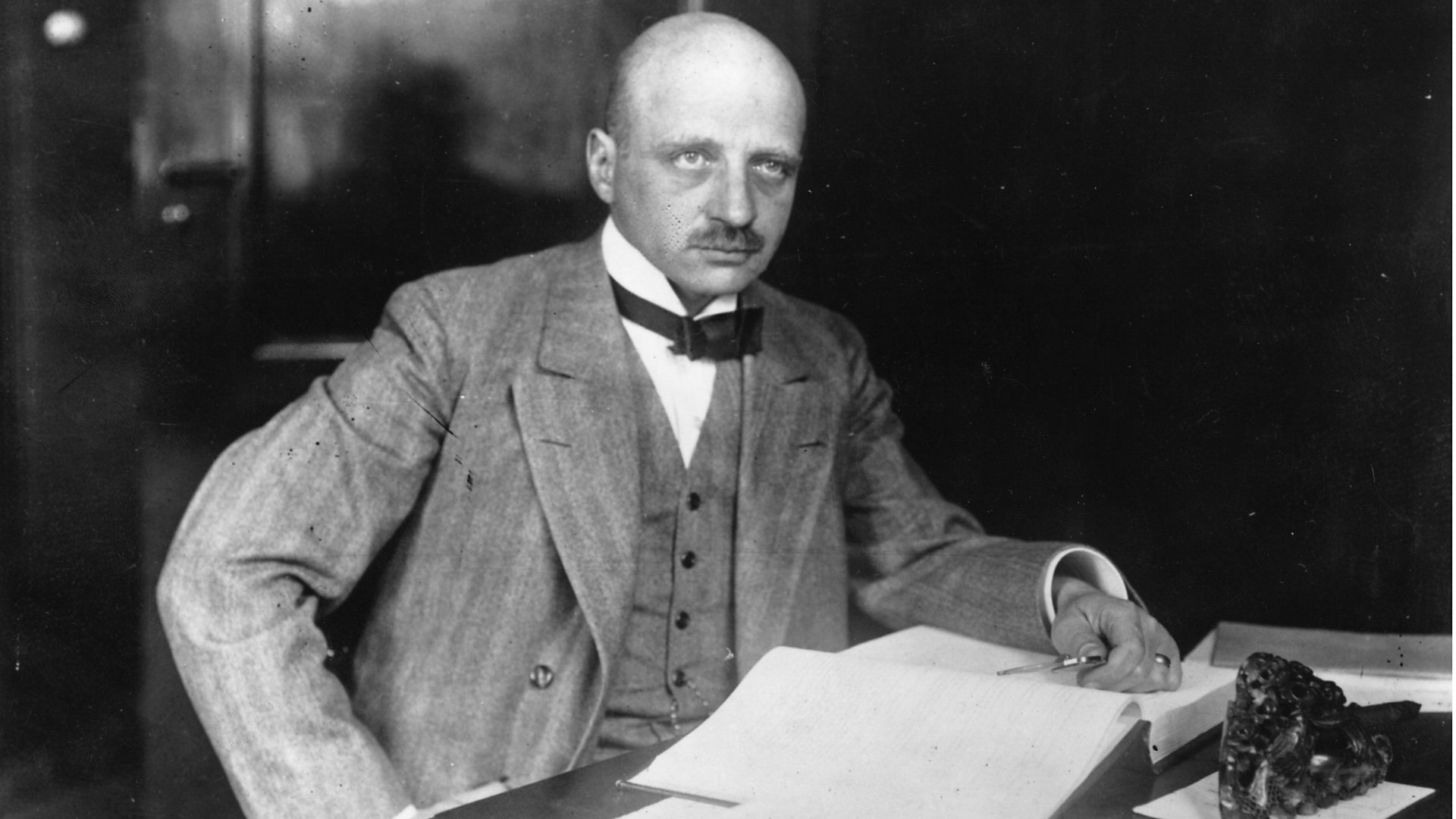 fritz haber biography Fritz haber: fritz haber, german physical chemist who won the 1918 nobel prize for chemistry for his work on nitrogen fixation (the haber-bosch process).