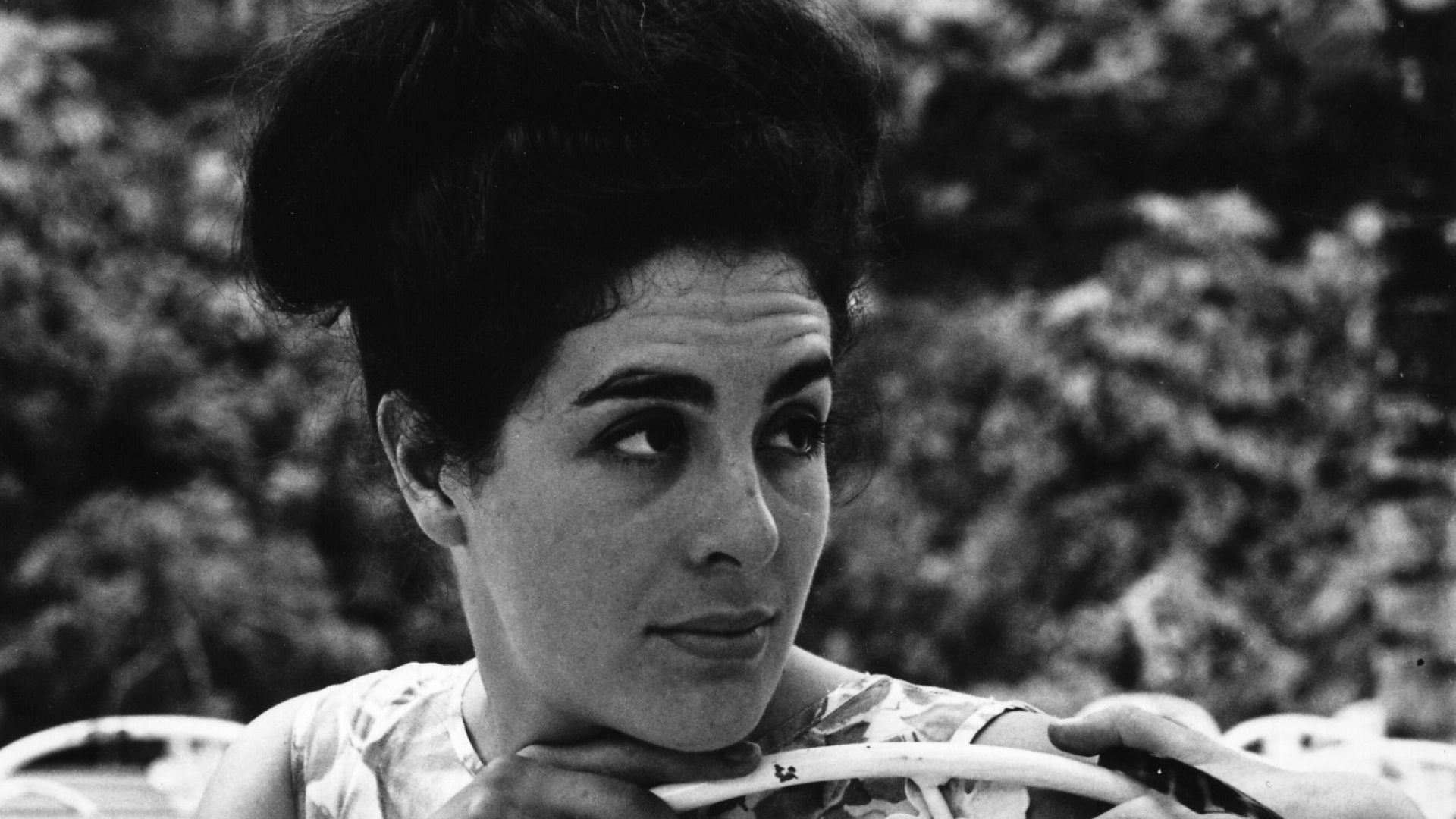 eleanor bron help
