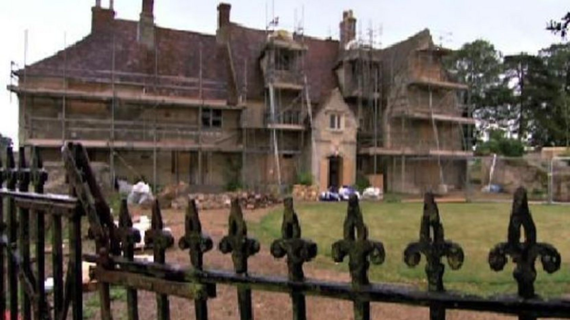Superb BBC Two   Restoration Home, Series 1