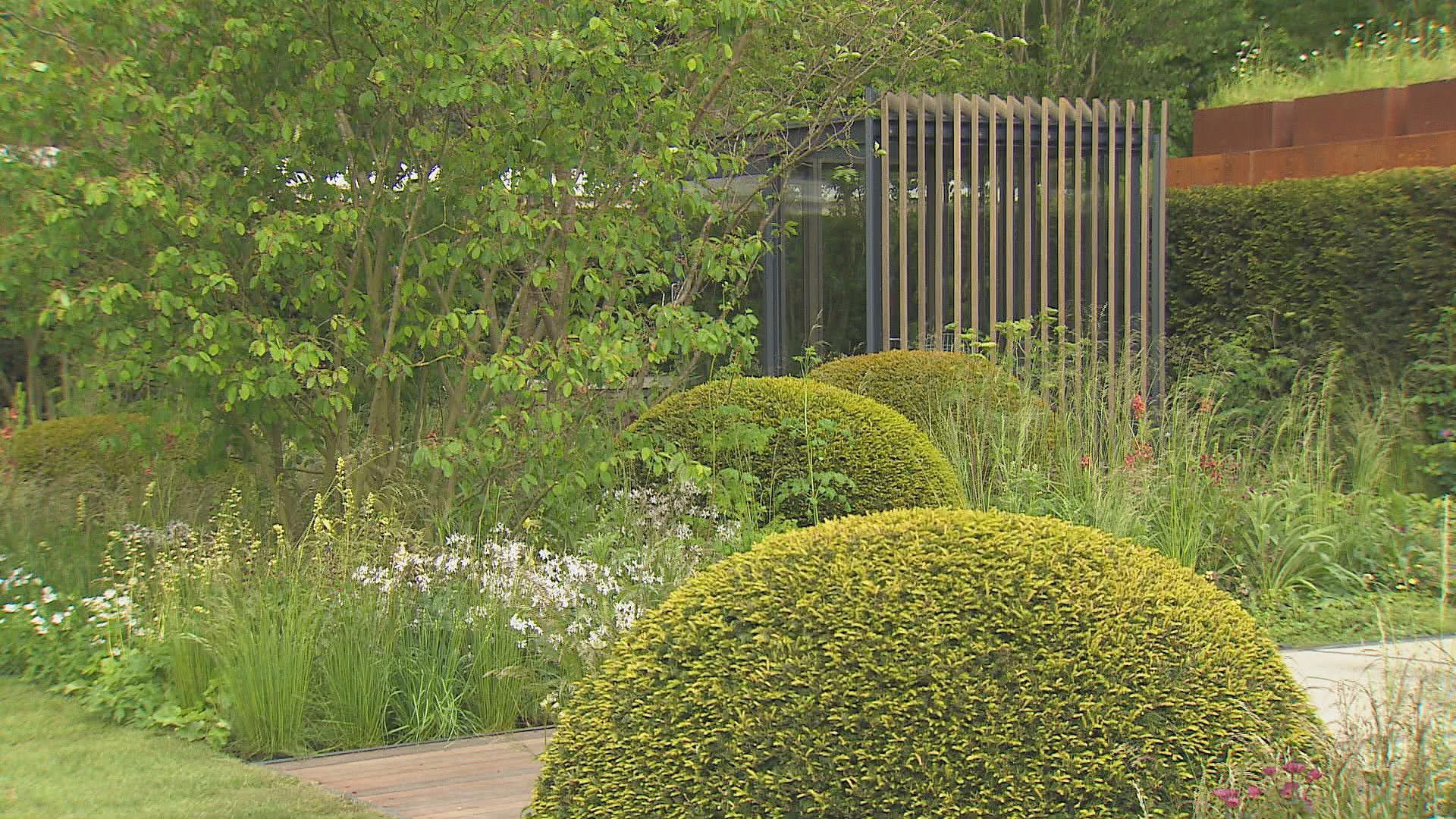 bbc two rhs chelsea flower show peoples choice award 2015 show garden tours 6 10 the telegraph garden