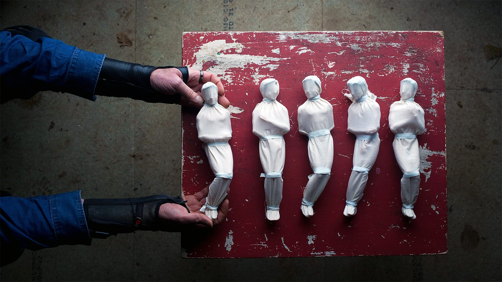 BBC Arts - Shrouds of the Somme: Artist's memorial to war dead