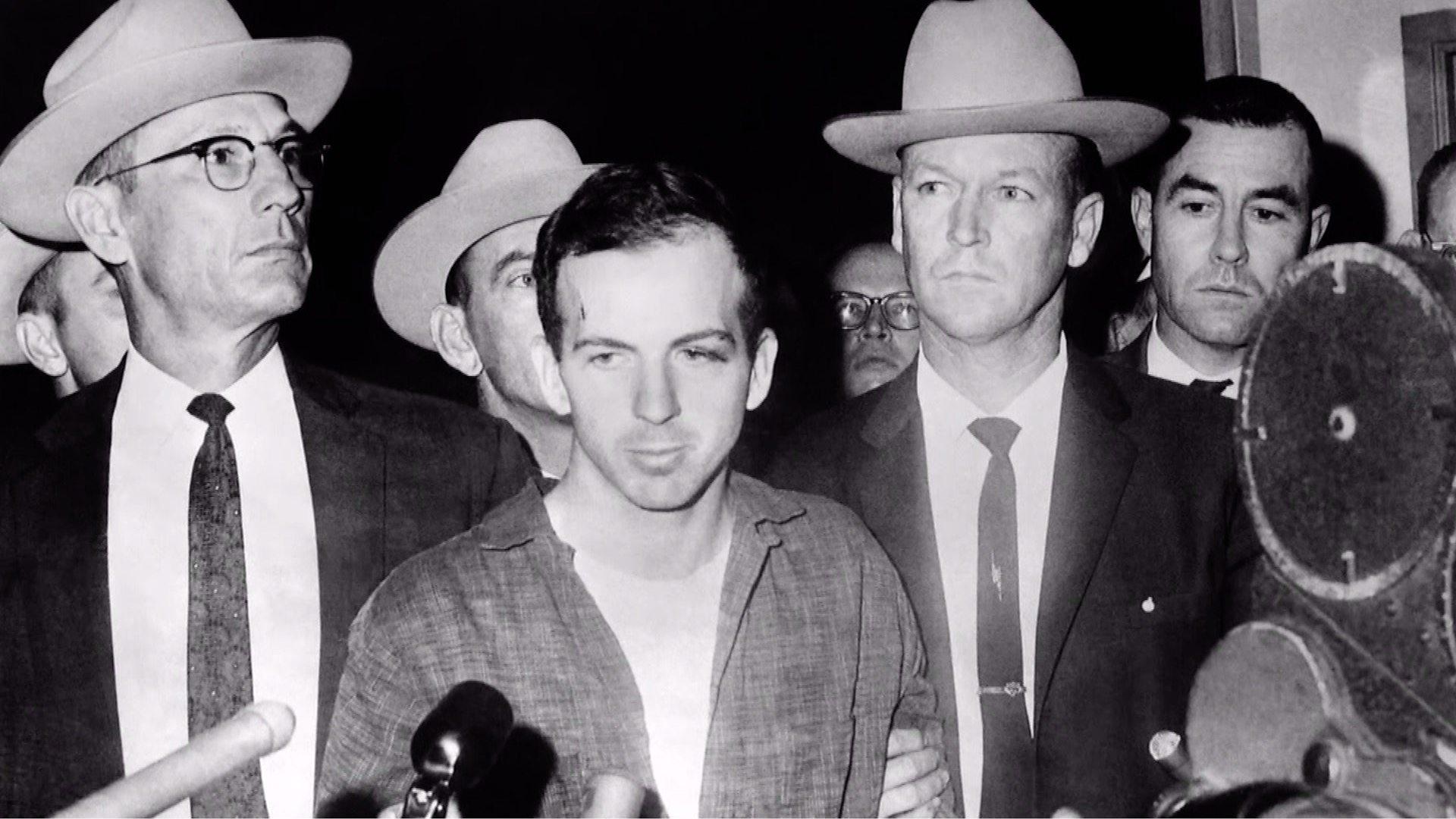 Убиецът на Робърт Кенеди излиза от затвора (Видео)