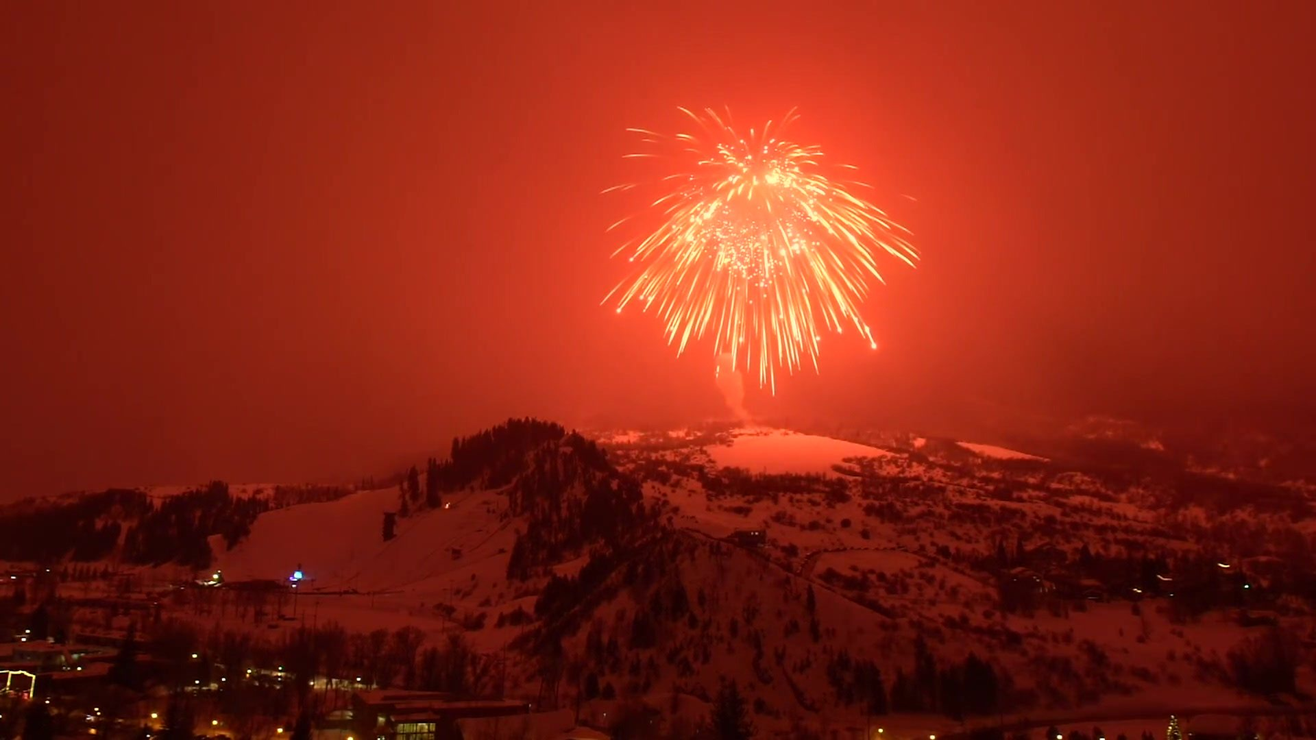 Covid: Fireworks fears over firebreak lockdown - BBC News