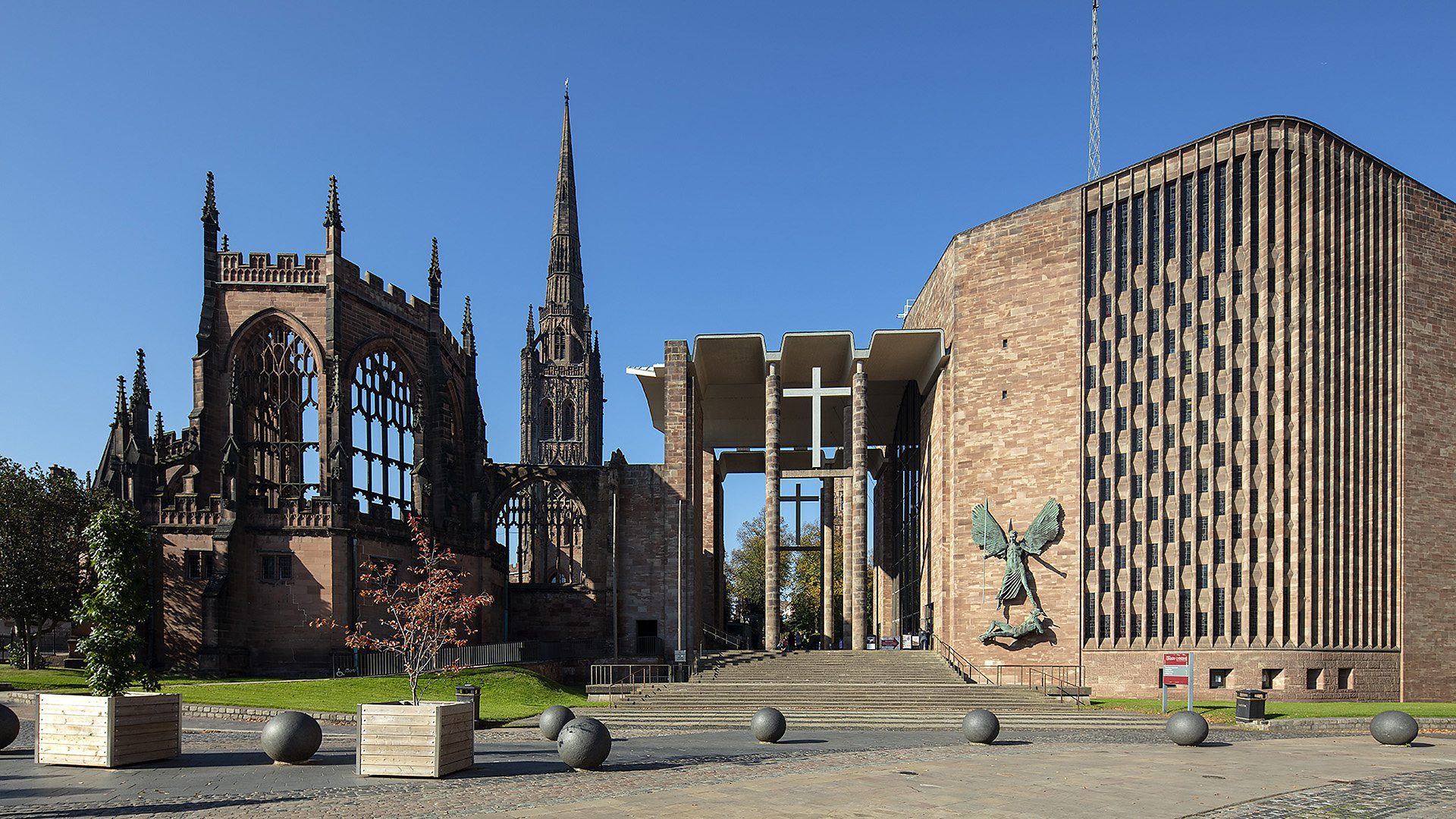 BBC One - Antiques Roadshow - Coventry Cathedral