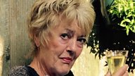 Remembering Carolyn Jones who played Ursula Titchener
