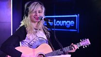 Nina Nesbitt Live Lounge