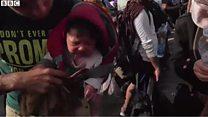 セルビア国境でハンガリー、移民たちに催涙ガス