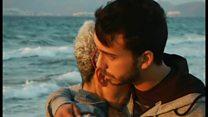 ギリシャ海岸にまた幼児の溺死体