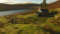 英ウェールズで山小屋ライフはいかが? 屋根しかなくても語らいと星空が