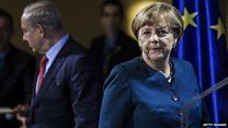 メルケル独首相、ドイツはホロコーストの責任を受け入れていると