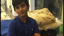 モスクワの空港で「暮らす」シリア人少年