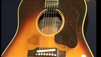 紛失したジョン・レノンのギター、約3億円で落札