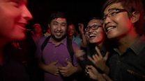 勝利ムードに酔う野党支持者 ミャンマー総選挙で