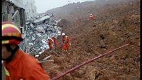中国・深圳の土砂崩れ 立ちすくむ人たち、自分たちも危険だと