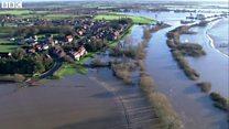 何キロも何キロも水が 2015年のイギリス大洪水