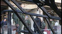 シリア首都南で軍建物に爆弾攻撃 血と果物の焼けた臭い