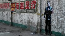 Street artist brings life to run-down Beijing