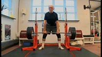 世界最高齢のパワーリフティング選手は93歳