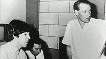 ビートルズの名プロデューサー、サー・ジョージ・マーティン死去