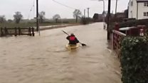 Northamptonshire flooding: Canoeist takes to the water in Chelveston