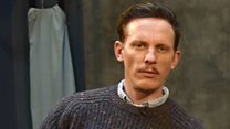 Laurence Fox sorry for swearing at heckler