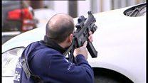 ブリュッセルの住宅地で強制捜査と銃撃