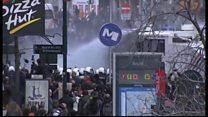 追悼の広場で衝突、放水 ブリュッセル