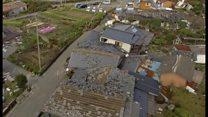 【熊本地震】倒壊家屋や横転した自動車――南阿蘇村で