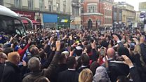 Leicester standstill as champions arrive for lunch