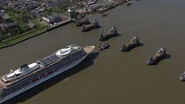 Huge liner cruises up Thames