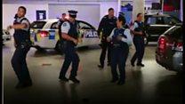 NZ警官のダンス動画が話題に SNSで「挑戦状」拡散