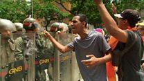 ベネズエラ緊迫 首都で市民と警察衝突